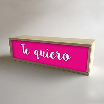 """Lámparas con cajas de madera y metacrilato frontal Fucsia con mensaje """"Te quiero"""""""