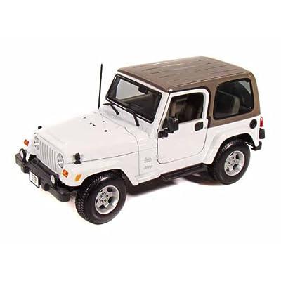 Jeep Wrangler Sahara 1/18 White: Toys & Games