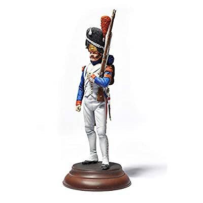 MiniArt 1/16 Scale Imperial Guard French Grenadier. Napoleonic Wars - Historical Figures Series Plastic Model Kit #16017: Toys & Games