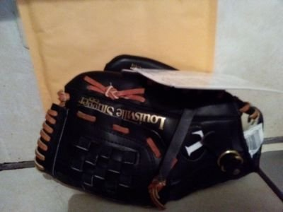 Baseball Louisville Slugger Louisville Series 10.5 Left Black with Brown Lace Leather Palm Professional Pattern Mitt ()