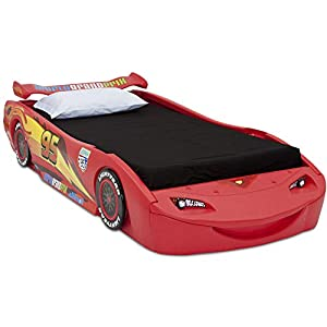 Disney/Pixar Cars Lightning McQueen Twin Bed with Lights by Delta Children 4