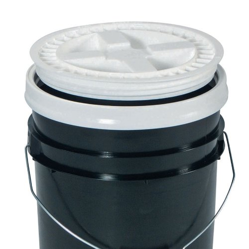 New-Pig-DRM658-HDPE-Gamma-Seal-Snap-On-Lid-White-For-12-Diameter-Plastic-Pails