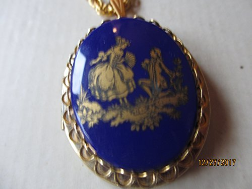 Sarah Coventry Chain (Beautiful Blue Enamel Vintage Cameo Locket, Vintage Locket, Maid of honor Gift, Blue Vintage Cameo Locket)