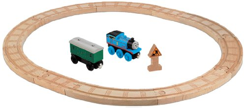 Fisher-Price Thomas & Friends Wooden Railway, Oval Starter Set (Train Set Starter Thomas)