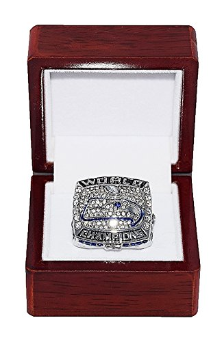 SEATTLE SEAHAWKS (Russell Wilson) 2013 SUPER BOWL XLVIII WORLD CHAMPIONS Rare & Collectible High Quality Replica NFL Football Silver Championship Ring with Cherrywood Display Box