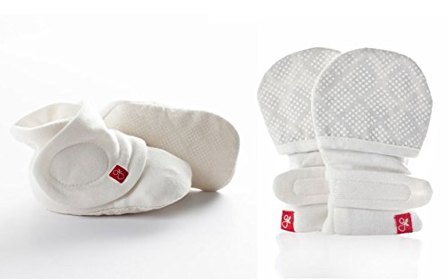 (GoumiKids Baby Mittens and Booties Set Organic Cotton/Bamboo (Small/Medium, Diamond Dots Cream) )
