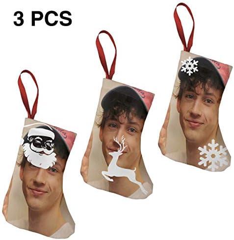 クリスマスの日の靴下 (ソックス3個)クリスマスデコレーションソックス アイドルミュージックTroye Sivan クリスマス、ハロウィン 家庭用、ショッピングモール用、お祝いの雰囲気を加える 人気を高める、販売、プロモーション、年次式