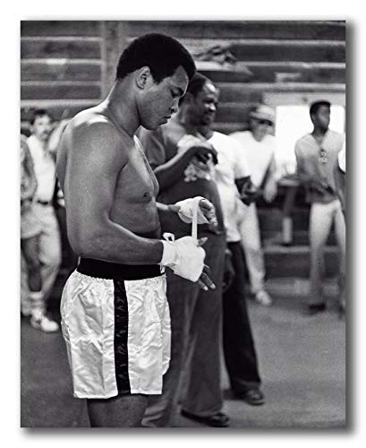 - Globe Photos ArtPrints Muhammad Ali Bandaging His Hands Wearing Boxing Shorts - 8