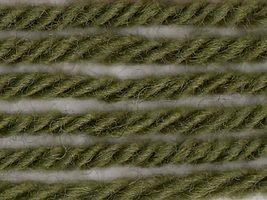 Amazon.com: Ella Rae Classic Wool Yarn #323 Olive Patch