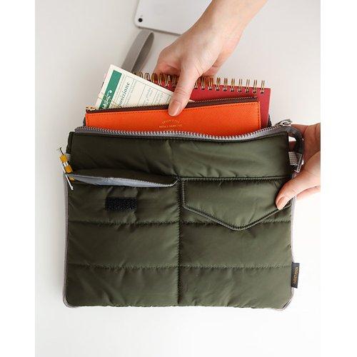 Gadget pouch - Khaki by invite.L