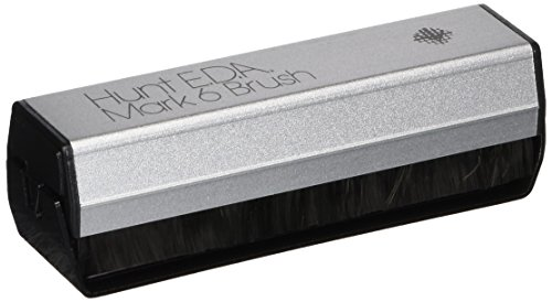 Hunt: EDA Mark 6 Carbon Fiber Record Brush (Record Wet Brush)
