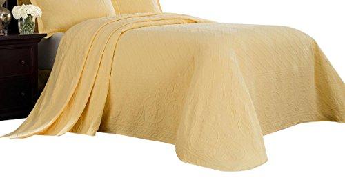 Williamsburg 048975018262 Twin Richmond Bedspread - Yellow Twin Richmond Bedspread,Yellow by Williamsburg