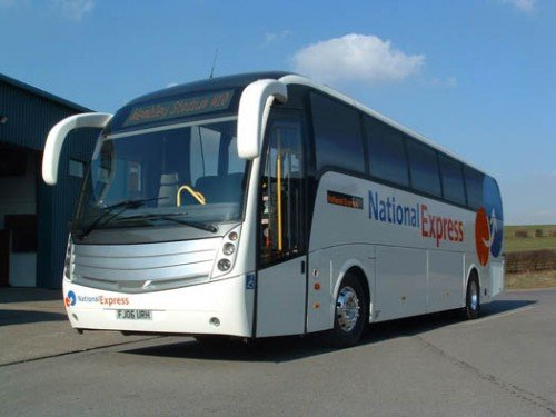 Corgi 1/76 Scale OM46401 - Caetano Levante National Express W24 Wembley Stadium B003MWCW4A