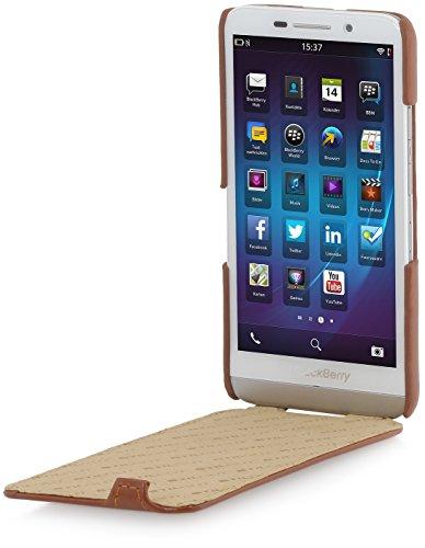 StilGut® UltraSlim Case, Funda de piel con función On-/Off para el BlackBerry Z30, coñac Marrón