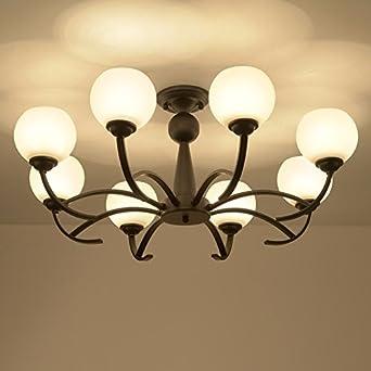 Estilo europeo moderno, lámparas y linternas, comedor, campo ...