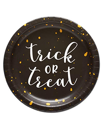 Halloween Dinner Party Entrees (American Greetings Halloween Party Supplies, Trick-or-Treat Paper Dinner Plates)
