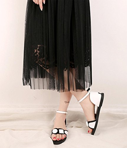 sandalias femeninas abrochan los zapatos planos de las sandalias romanas de las mujeres White