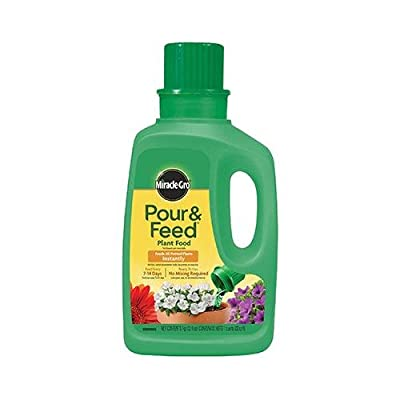 Scotts Miracle Gro 1006002 1-Qt. Ready-to-Use Pour & Feed Liquid Plant Food