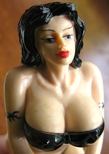 sexy pic boobs sharjah
