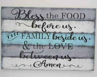 Bless The Food Before Us The Family Beside Us and The Love Between Us Pallet Plaque Sign Dining Room Wall Decor Kitchen Wall Decor Rustic Plaque Sign