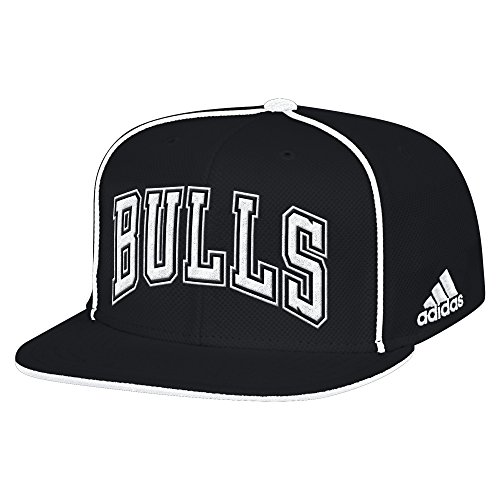 NBA Chicago Bulls Men's Fanwear Team Flat Brim Snapback Cap, One Size, Black