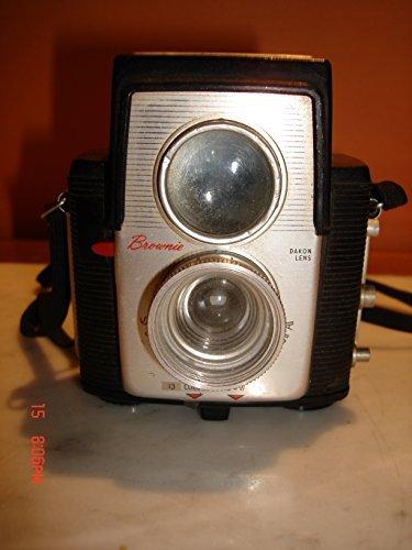 Eastman Kodak Brownie - Vintage Kodak Brownie Starlet Camera w/Dakon Lens - Bakelite