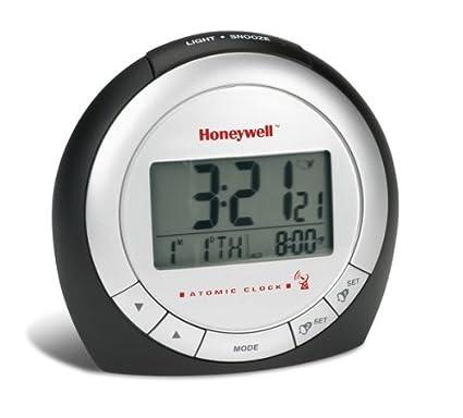 amazon com honeywell rc182ws atomic clock with indoor thermometer rh amazon com honeywell atomic alarm clock manual Honeywell Pcr191w Manual Atomic Clock