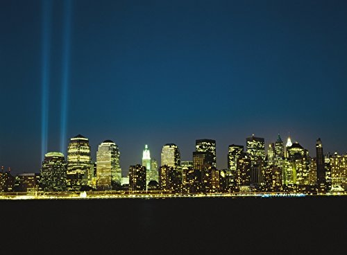 Posterazzi Lower Manhattan Skyline And World Trade Centre Memorial Lights Poster Print (18 x 13)