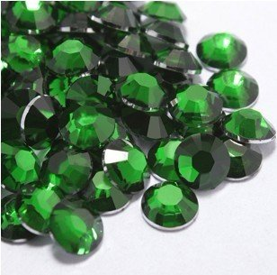 Beading Station 1440-Piece BSI Flat Back Brilliant 14-Cut Round Rhinestones, 3mm-10ss, Emerald Green (3mm Bead Ss)
