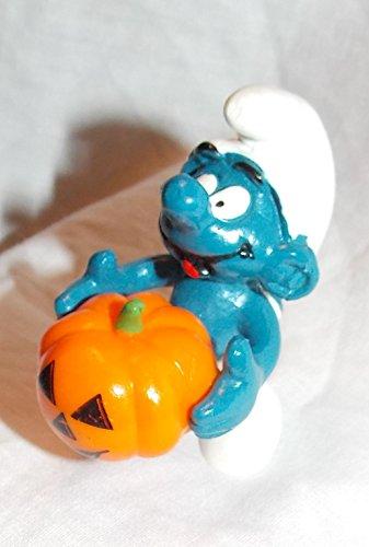 The Smurfs 1981 Vintage Halloween Smurf Holding Pumpkin 2
