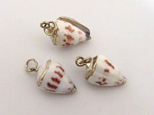 - 1 Pendant - Gold plated Small size spotted cone shell charm pendants - SP038