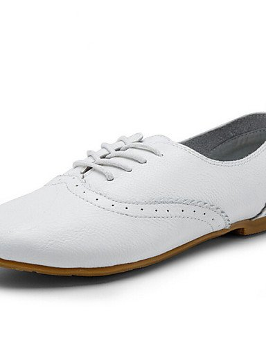 ZQ 2016 Zapatos de mujer - Tacón Plano - Botines / Punta Redonda / Punta Cerrada - Oxfords - Vestido / Casual - Cuero - Blanco , white-us8.5 / eu39 / uk6.5 / cn40 , white-us8.5 / eu39 / uk6.5 / cn40 white-us8.5 / eu39 / uk6.5 / cn40