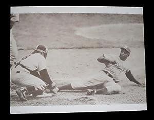 JACKIE ROBINSON STEALS HOME vs YOGI BERRA NY YANKEES BROOKLYN DODGERS 1955 WORLD SERIES 11x14 PHOTO