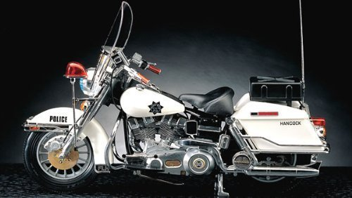 1/10 Harley Davidson Police Motorcycle 15500 - Plastic Model Kit by Academy Models (Harley Davidson Plastic Model Kit)