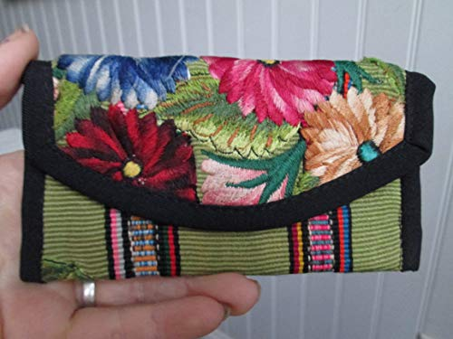 Handmade Guatemalan flower floral green striped design textile huipil coin Purse travel Wallet Bag Zipper magnet Pouch organizer fair trade Guatemala loomed aztec mayan