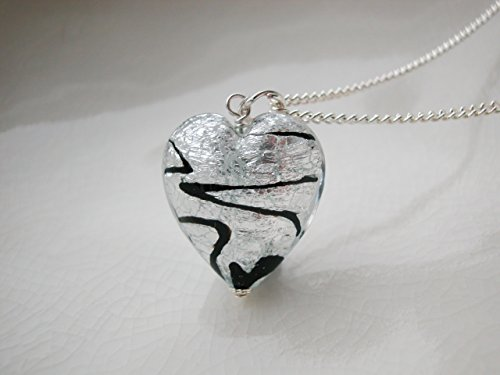 Murano Glass Heart Necklace (Murano Zigzag Glass Heart Necklace)