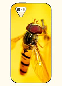 OOFIT Phone Case Design with The Flies for Apple iPhone 5 5s 5g