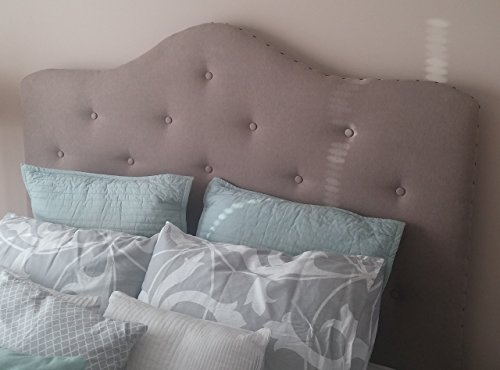 Tufted Headboard w/ Upholstered Legs ()