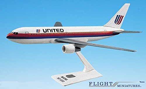 United Airlines Boeing 767 - 2