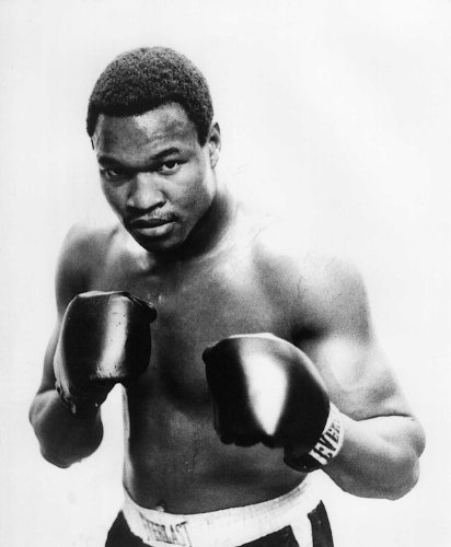 LARRY HOLMES HEAVYWEIGHT BOXING 8X10 HIG - Larry Holmes Photograph Shopping Results