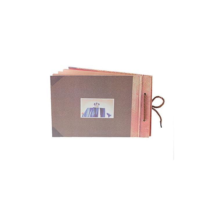 41sa02LRZkL Libro de recortes de alta calidad. Dimensiones: largo de 27 cm y ancho de 19 cm. Dimensiones del interior de las páginas: largo de 26,4 cm x ancho de 18,5 cm, 40 hojas (80 páginas). Con capacidad para más de 160 fotos de 10 x 15 cm. Las páginas están sujetas por una bonita cuerda para añadir o reducir páginas libremente y son de papel kraft grueso liso que no se decolora. El libro de recortes viene con accesorios extra para que lo personalices: 6 postales individuales, 3 hojas con esquineras para fotos autoadhesivas y 8 bolígrafos de colores diferentes.