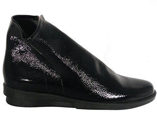 Arche Women's 'Detyam' Bootie In Black Crinkle Patent Leather