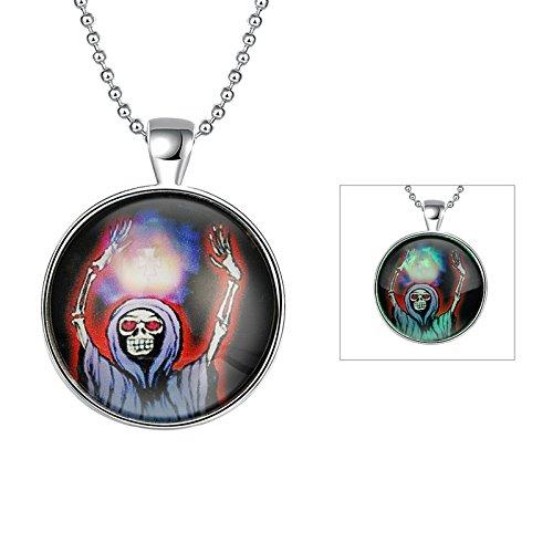 Aokarry Queen Halloween Skull Glow In Dark Pendant Necklace for Dressing -