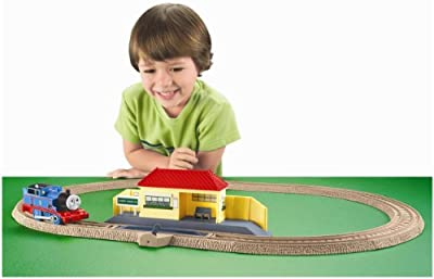 Thomas The Train Trackmaster Thomas Rides The Rails Starter Set by Fisher-Price
