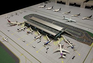 Amazon GeminiJets 1400 Scale Model Airport Terminal Toys Games