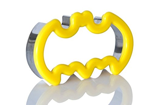 Batman Cookie Cutter, Batman Small Sandwich Cutter, Stainless Steel Metal With Silicone Comfort Grip For Kids and Adults By Kitchen Stars.]()