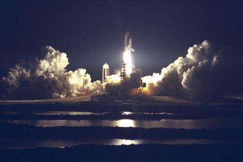 Landing Atlantis Space Shuttle (New 4x6 NASA Photo: Space Shuttle Atlantis Launch of Mission STS-86)