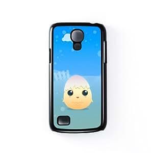 Little Chick with egg shell Carcasa Protectora Snap-On en Plastico Negro para Samsung® Galaxy S4 Mini de DevilleArt + Se incluye un protector de pantalla transparente GRATIS
