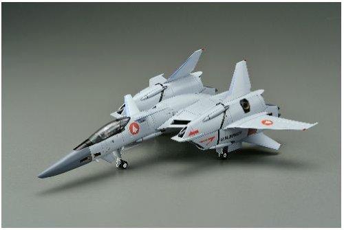 Yamato Macross VF-4G Lightning III 30th Anniversary 1/60 Scale