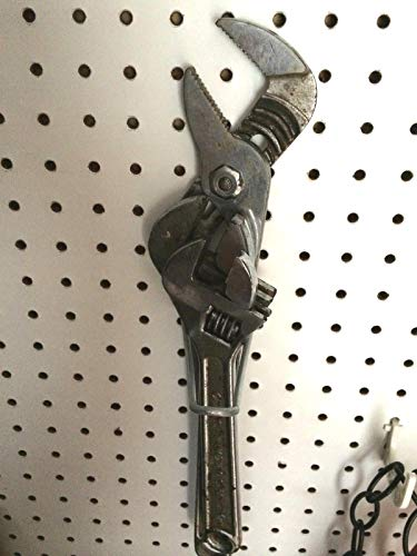 (250 PACK) 4'' Looped Metal Peg Hooks w/Elevated Tip Fits 1/8 & 1/4 Pegboard by STRIKE (Image #3)